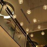ハーゲンダッツ ラ メゾン ギンザ - エントランスフロアから2階のカフェスペース