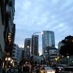 CONA - 大江戸線麻布十番駅7番出口出たところ