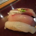 鮨ぎん くさびや別邸 - 板前おまかせにぎり@2040円(税込)/ひらめ・ひらまさ・イワシ