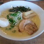 飛翔 - 濃厚鶏白湯麺