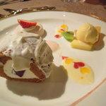 サザンクロス&アモーレ - デザート。ロールケーキが、わっぜ硬いw。