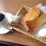 ブルーマウンテン - 料理写真:モーニング(HOT、トースト・卵)