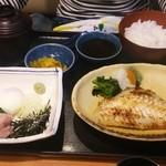 夢庵 - 妻は、赤魚西京焼とネギトロ玉を。。。