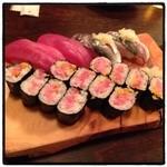 いろは寿司 - とろたく巻き、マグロ、アジ。 母が上京してます。