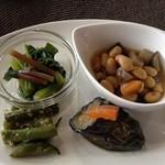 食楽工房 キッチン・ふぁーむ - 野菜のおかずプレートランチのお惣菜