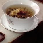 湖心亭 - 料理写真:見た目も美しい花茶