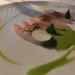 Flocons de Sel - ジェネバ湖の魚 おそらくFera                             クリーミーな野草のソース