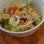 スワガット - 付け合せのサラダも美味しゅうございます( ̄人 ̄)