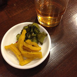 Shinwakayamaramembariuma - 無料の漬物は4種類