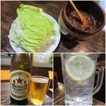 29648908 - お通しのキャベツと辛味噌/サッポロ瓶ビール(中瓶)¥500/チューハイ¥390