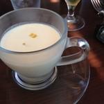 ビストロ ラ ブリーズ - 冷たいトウモロコシのスープ