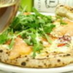 Blue Pearl - pizza・サルモーネ