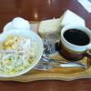 Ajiyuru - 料理写真:2014.08 追加無しで付いてくるモーニング、、ミニサンド、コールスロー、ゆでたまご付きで花丸♪