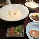 京都豆八 - ④ぶぶ豆腐、⑤ご飯と漬物。