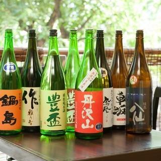 飛露喜を始め希少なお酒を常時10種類以上取り揃えております。