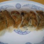 29664151 - ニラたっぷりのジューシー餃子は美味しいですね