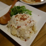 八王子大衆ビストロ ぐりぐり - 温玉チーズのポテサラ