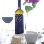 29669331 - チーズの盛り合わせとアルゼンチンの赤ワイン
