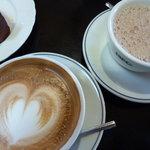 ヒロコーヒー 伊丹いながわ店 - カフェオレとカフェラテ
