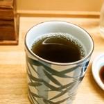 和歌寿司 - お茶は「ほうじ茶」