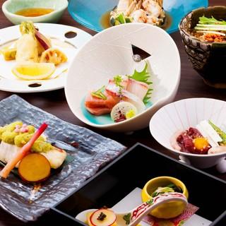 おすすめは季節の会席コース、取り分けのいらない本格和食