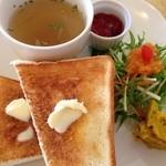 cafe shibaken - トーストのプレート