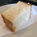 29683467 - ランチのパンです