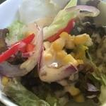 チェリー - ミネストローネランチのサラダ
