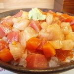 玉ねぎ屋 - 海鮮まぶし丼