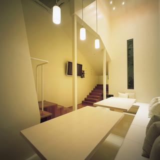 全てが異なるデザインのラグジュアリー個室が25室