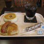 29719208 - サラダおやきパンとびっくりジューシーBoo(2014.08)