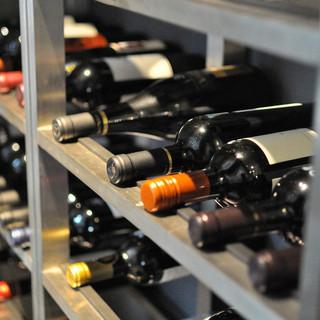 **世界各国から取り寄せたワイン**