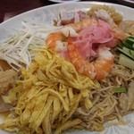 栄和飯店 - 海老海鮮中華麺ボリュ~ミィィ~