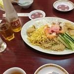 栄和飯店 - 料理達 アサヒ烏龍茶+サイダーサワー