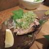 地鶏の伝兵衛 - 料理写真:【媛っこ地鶏のモモタタキ】