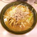 五右エ門ラーメン - みそラーメン(セット¥920)。麺は太めのストレート。炒め野菜がたっぷり入ってます