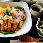 藍住茶房 - ランチ チキン南蛮丼