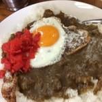 弁慶 - ビーフカレーに卵トッピング