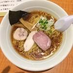 29748990 - 鶏豚スープの杉樽しょうゆラーメン