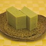 土佐屋 - いもようかんの原材料となるサツマイモは、千葉県産など厳選したものを使用。 子どもからお年寄りまで誰もが笑顔になるやさしさの詰まった素朴な味わいをぜひご賞味ください。