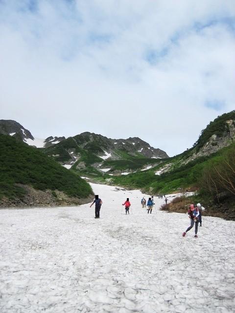 槍沢ロッヂ - 雪渓下り(2)