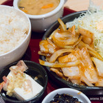 茶和 - 韓国風豚バラ焼肉定食+冷や奴【2014年7月】
