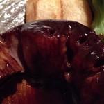 にっぽんの洋食 津つ井 - ほろっほろのビーフ断面