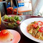 カフェ&バー 空 - アボカドとトマトの冷製パスタ