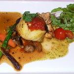レストラン シャンソニエ - 仏産ウズラとフォアグラのシャルロットです。最初の1品です。素材もソースも美味しいですね。ペロッて食べちゃいました。