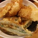 天丼 あきば - 白身魚、レンコン、かぼちゃ、インゲン、のり