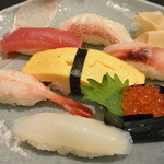 すし処 辰巳 駅前店 - 福々ランチ(2040円)のお寿司