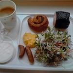 コンフォートホテル 仙台東口 - 朝食(盛付け一例)【2014年8月撮影】