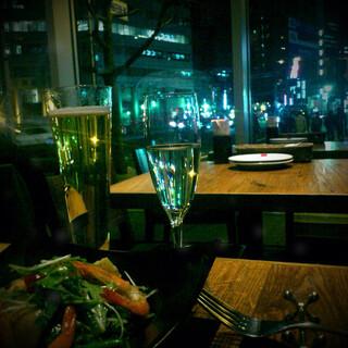 ピッツァ サルヴァトーレ クオモ 梅田 アンド ザ バー - ご飯も美味しくて、夜景もみれてとってもお洒落☆