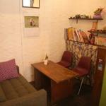 ヤドカリ食堂 - グループ向けのテーブル席